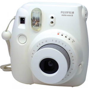 Fujifilm instax mini 8 Instant Film Camera (White) + 10 film free